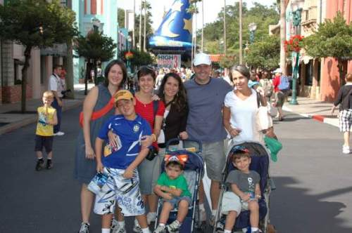 Na entrada do Hollywood Studios